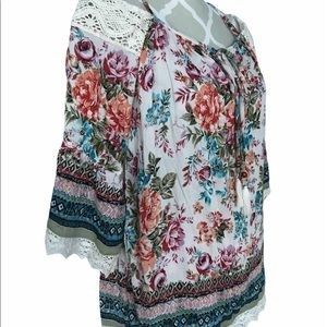🇨🇦Boho Style Floral Print Top by Angie Size M